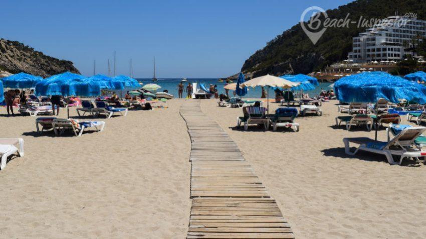 Ibiza_-Cala-Llonga-Travelyst-Strände