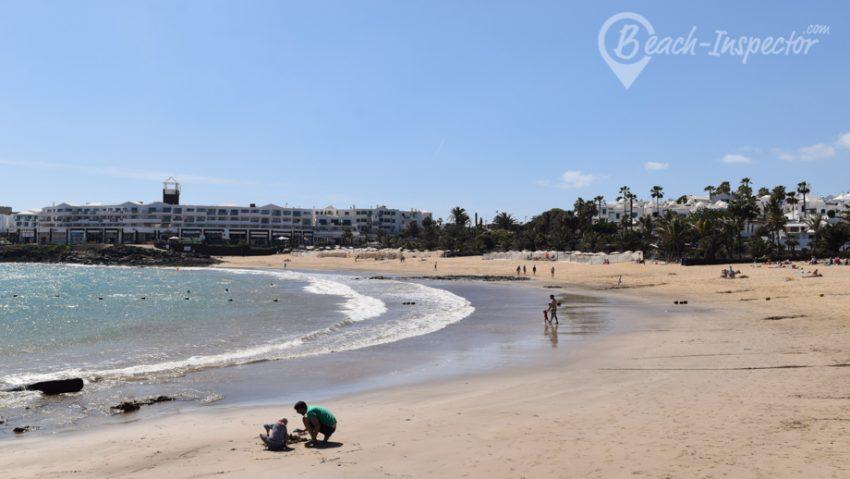 Lanzarote_Playa-de-las-Cucharas-Travelyst-Strände