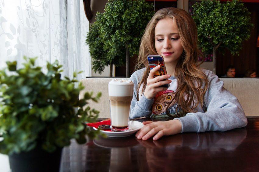 Internetzugang-Mallorca-Teenager-Travelyst