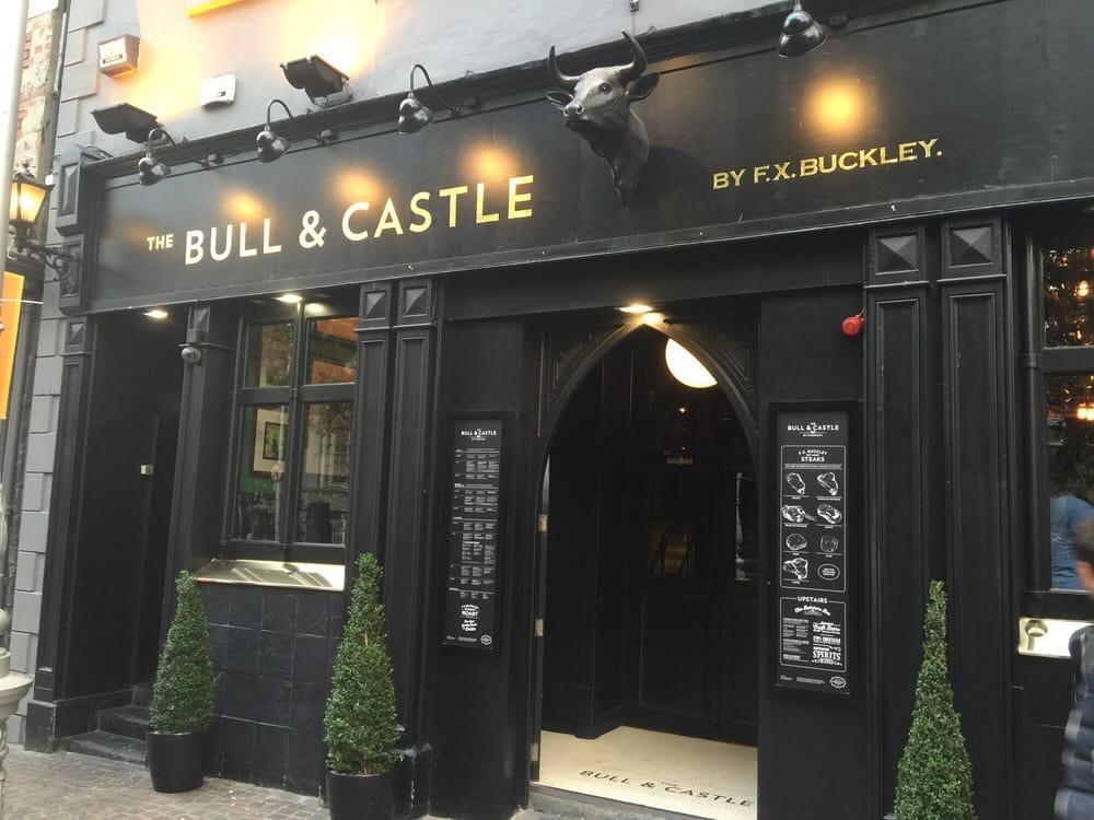 Travelyst Dublin pub_bull & Castle